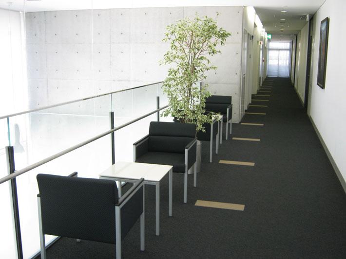 2階の座れる場所