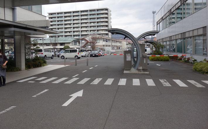 おかやま西川原プラザの駐車場入り口写真