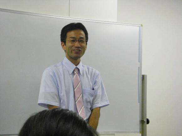心理カウンセラー井上が講座をしている写真