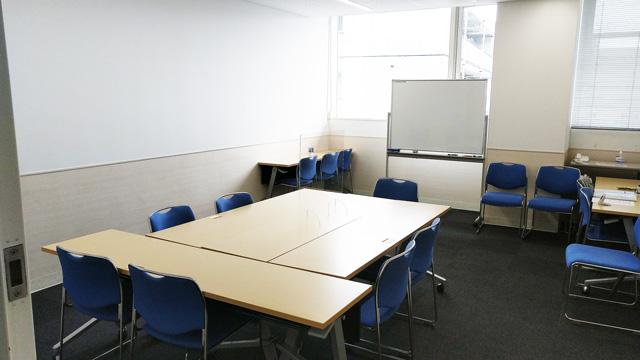 傾聴トレーニングの教室の様子